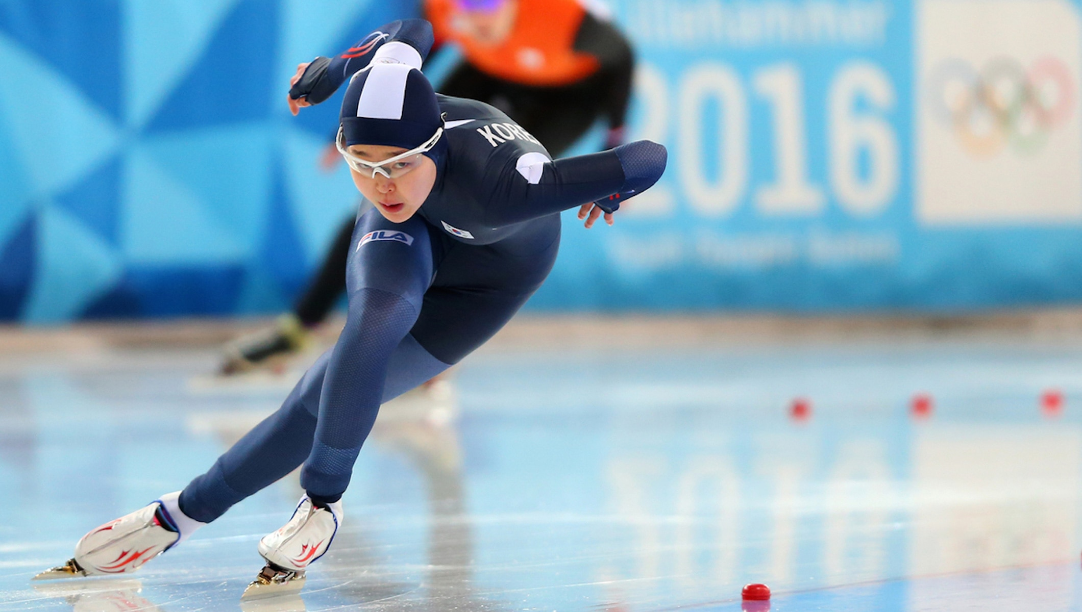 'Little Lee' signals superstar qualities with speed skating gold