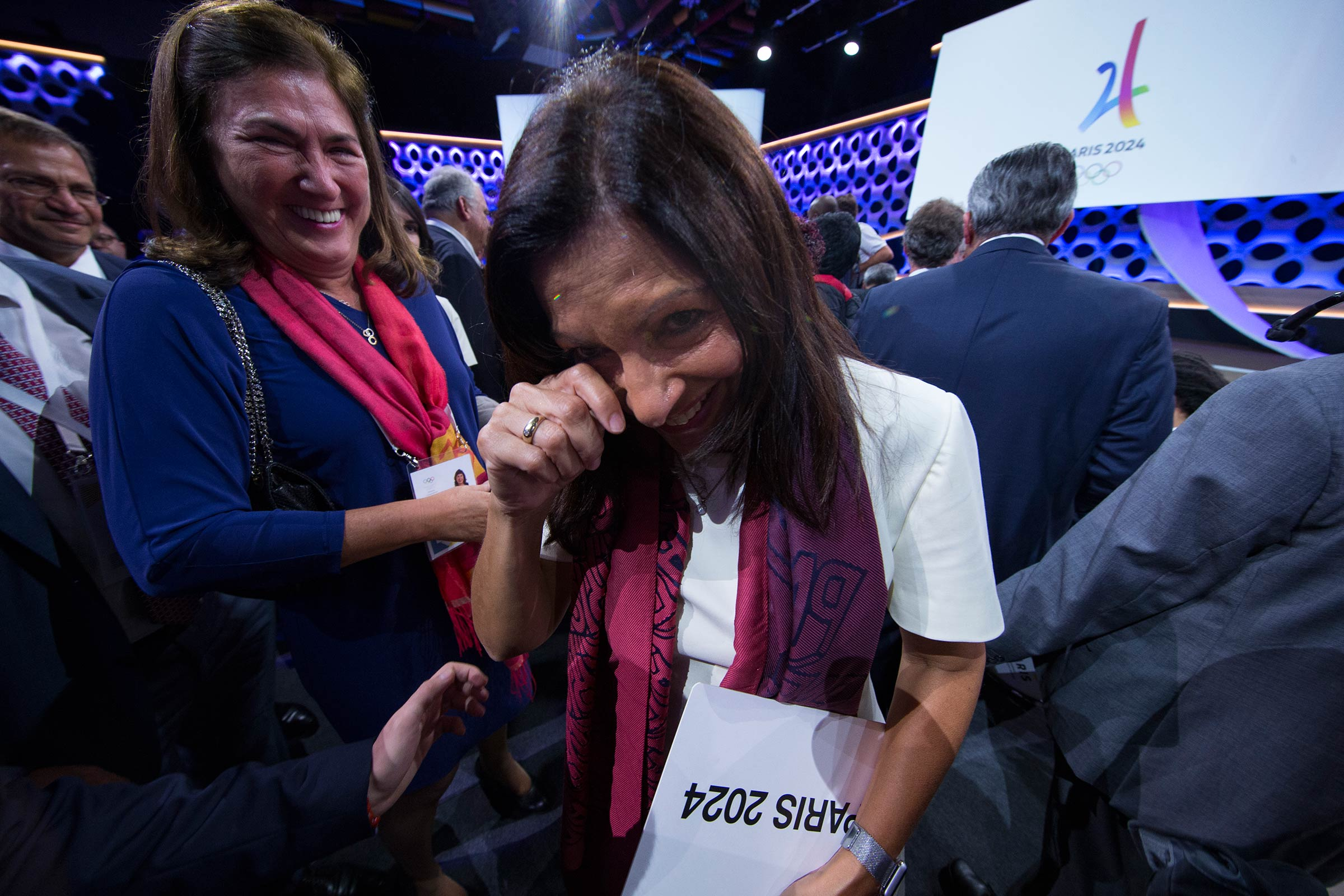 An emotional moment for Anne Hidalgo